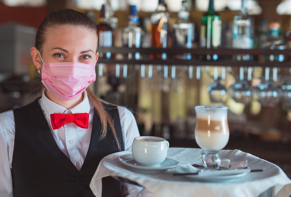 Отели и рестораны Петербурга постепенно восстанавливаются