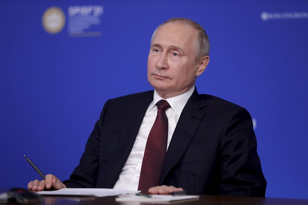 Владимир Путин, президент РФ, на пленарном заседании ПМЭФ