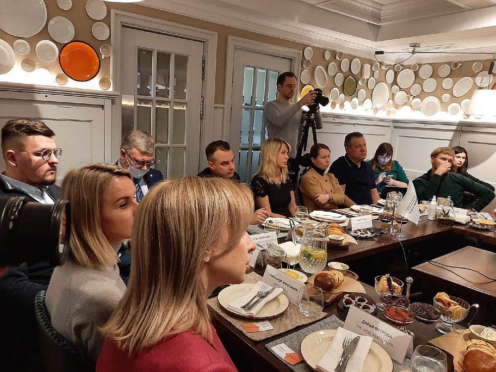 На встрече собрались руководители ТК и ресторанных сетей