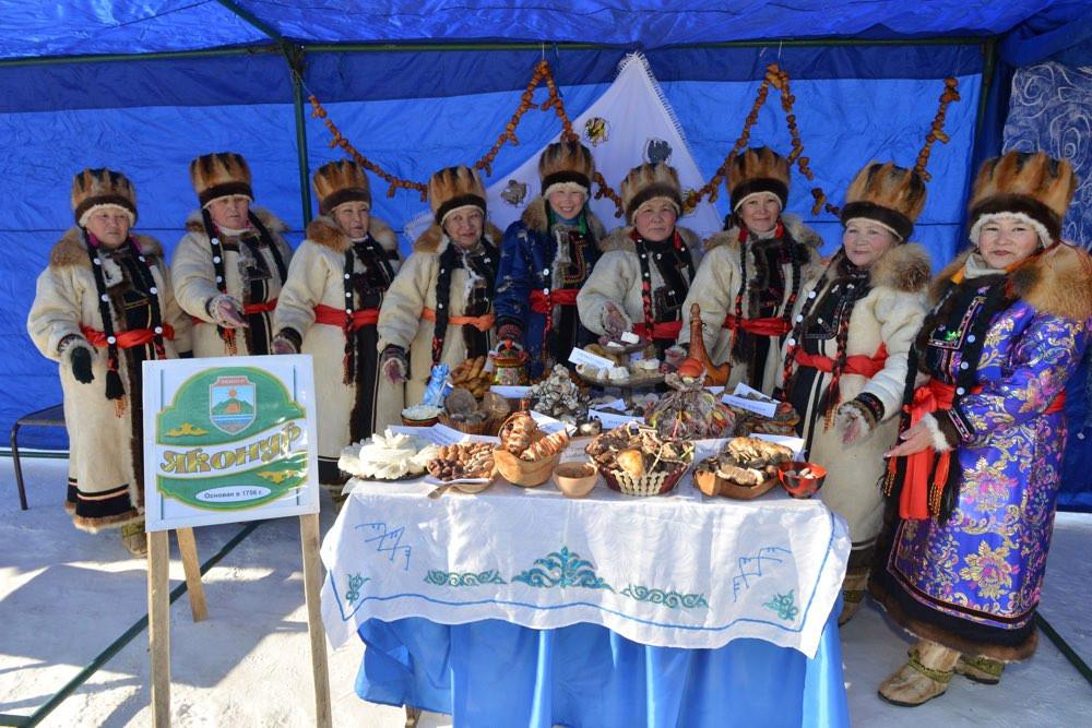 На Алтае туристов ждут алтайцы
