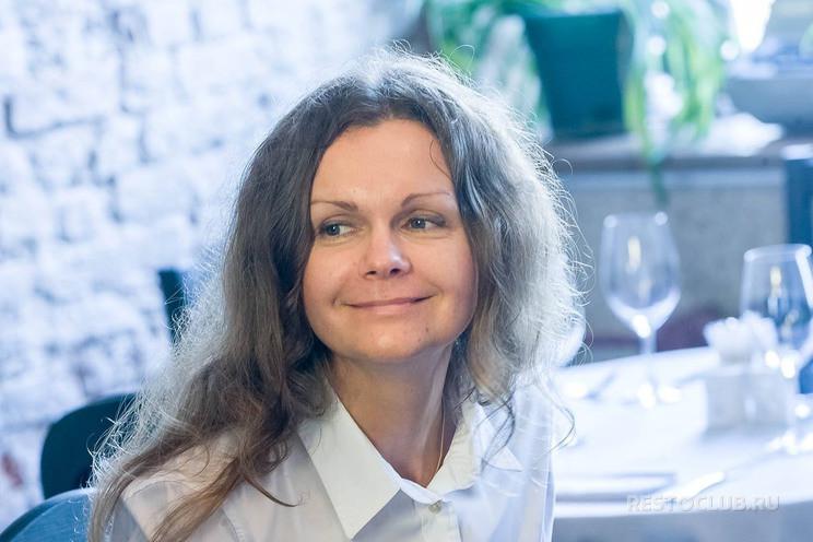 Анна Коварская, ресторанный журналист