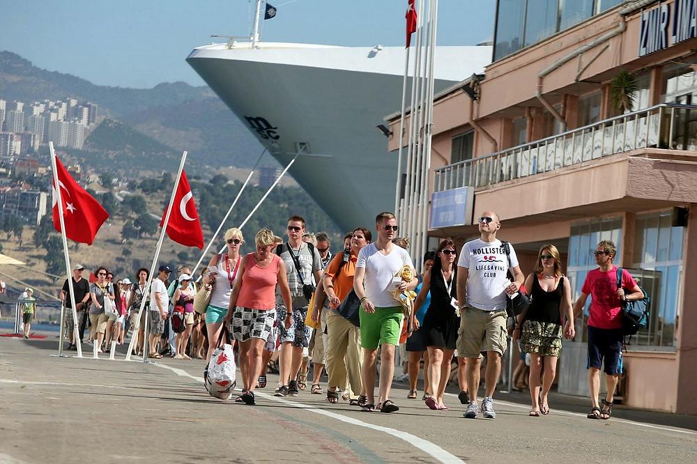Российских туристов ждут в Анталии и на других курортах