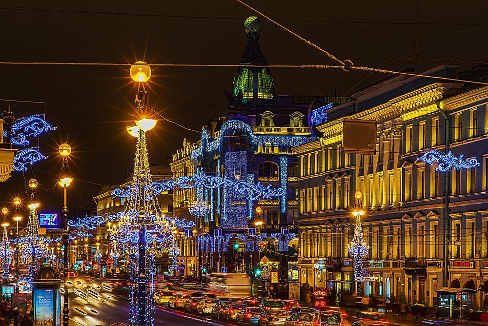 Петербург не только украшается к Новому году, но и вносит предложения