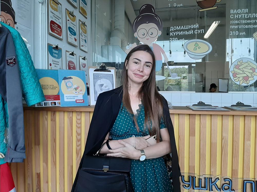 Инстаблогер 24-летняя Марина Литвинова в своем кафе