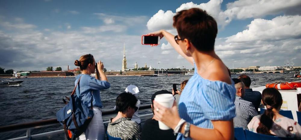 Петербургская туротрасль с надеждой ждет сезона