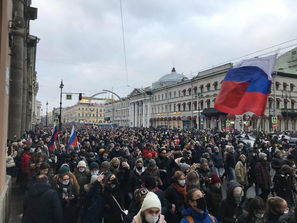 Одна из самых популярных в сетях фотографий - Невский проспект 23 января