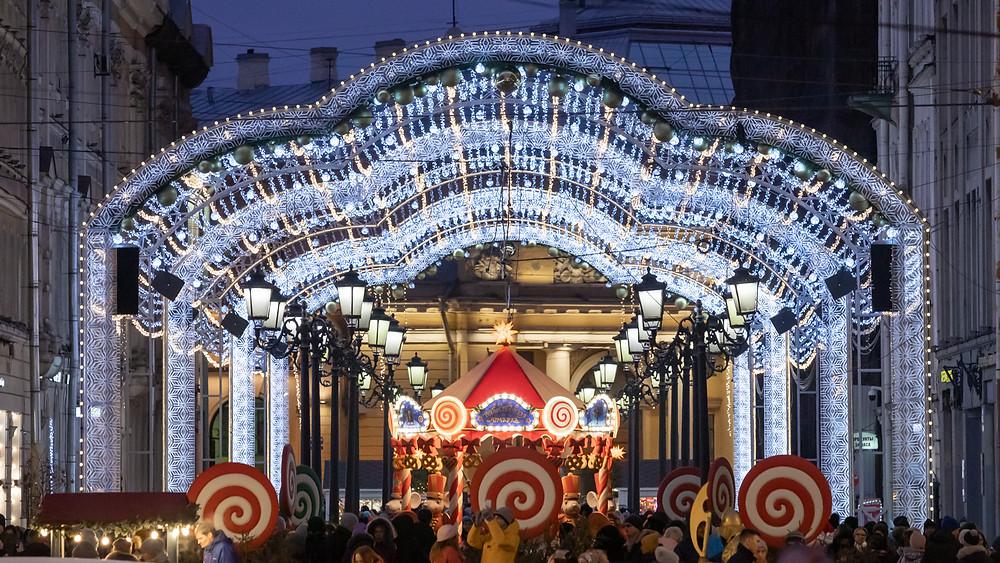 Ярмарка на Манежной и в этом году сияет огнями