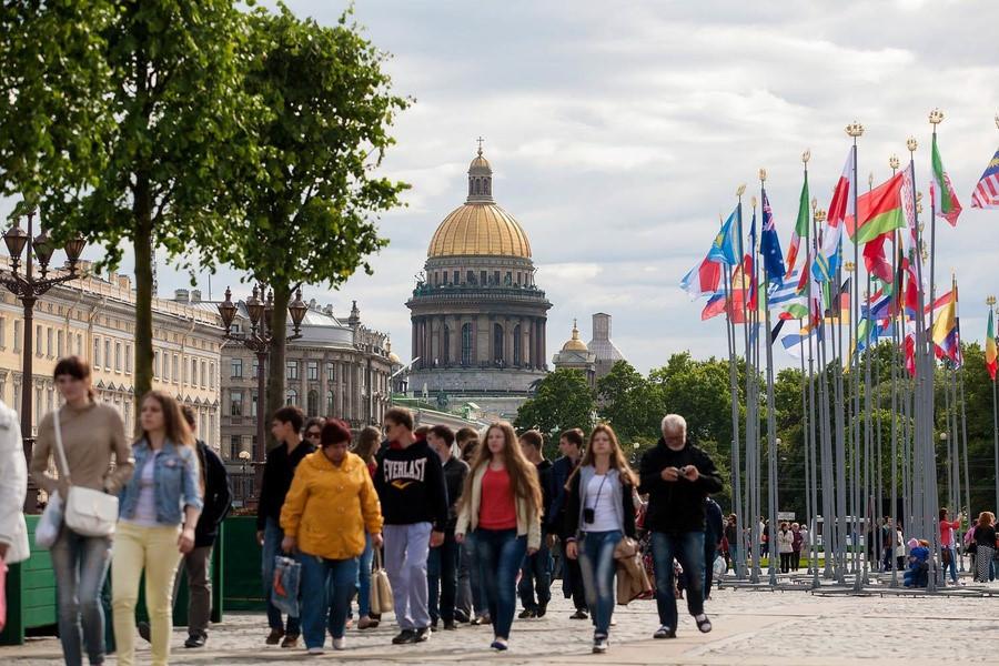 В 2019 году Петербург принял рекордное число туристов - 10 млн