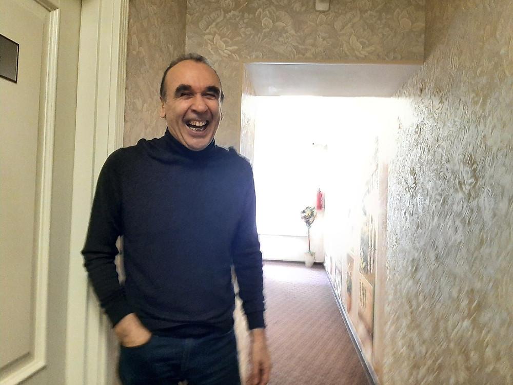 Генподрядчиков двух сменил, улыбается Виктор Питернов, халявщики!