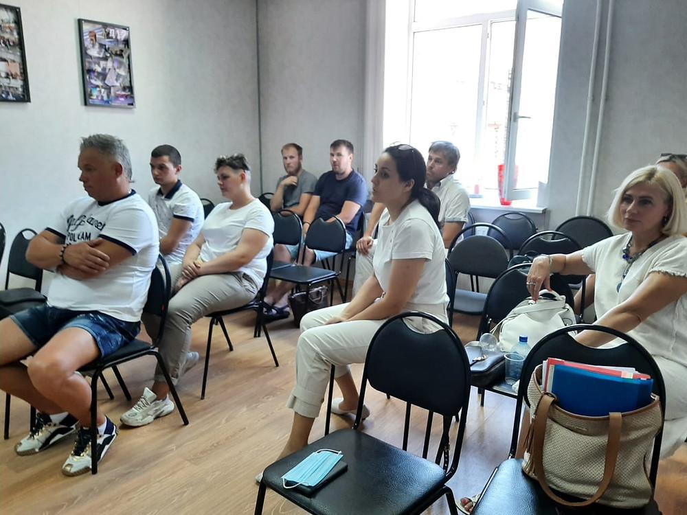 """Предприниматели на встрече в """"Содействии малому бизнесу"""" 6 июля"""