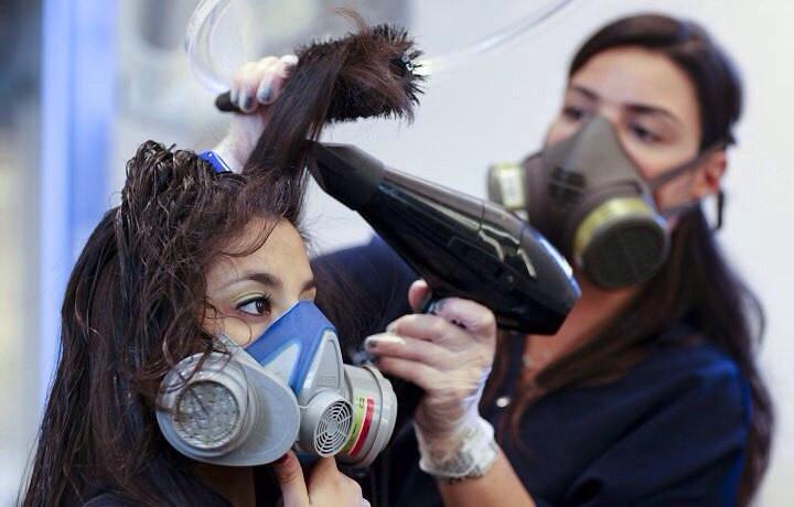 Работа парикмахеров в недалеком будущем