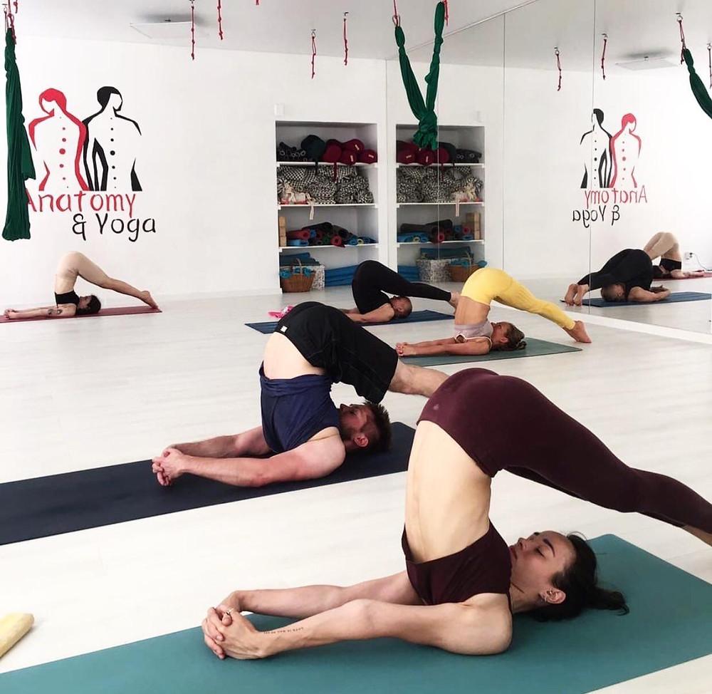 """Занятия в студии """"Анатомия йоги"""""""