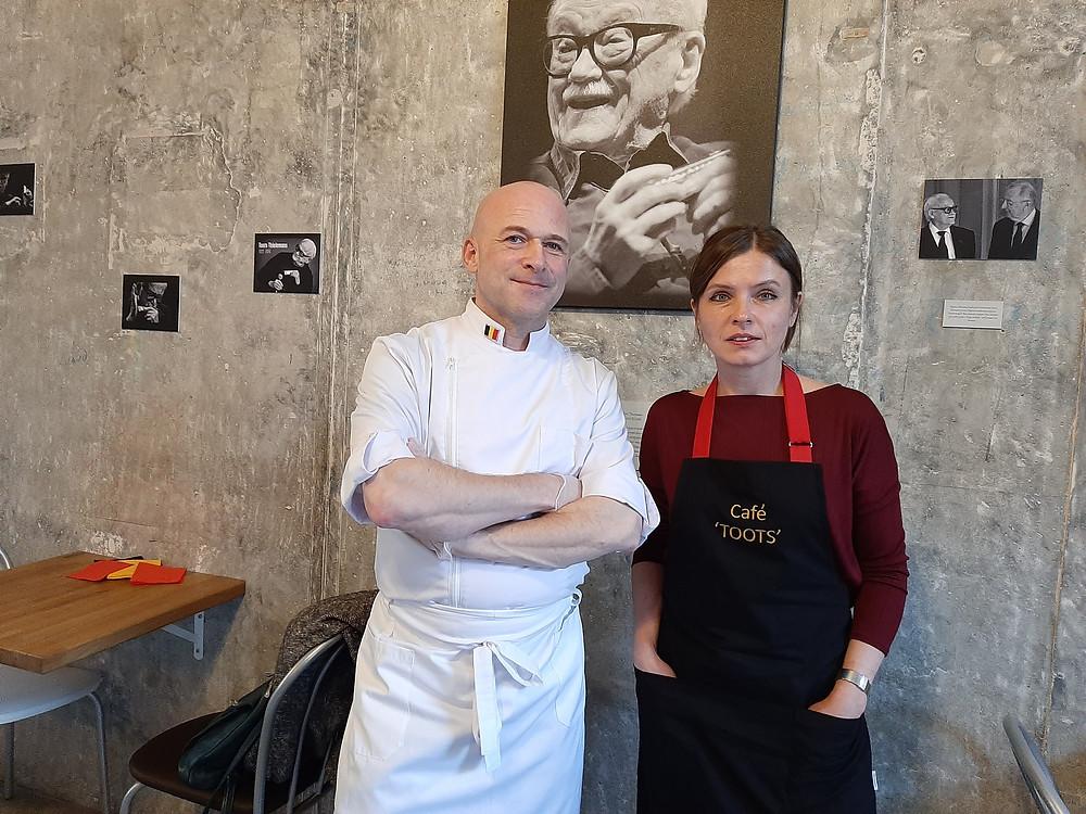 Эдвин Дерде и его супруга Елена самостоятельно работают в Cafe TOOTS