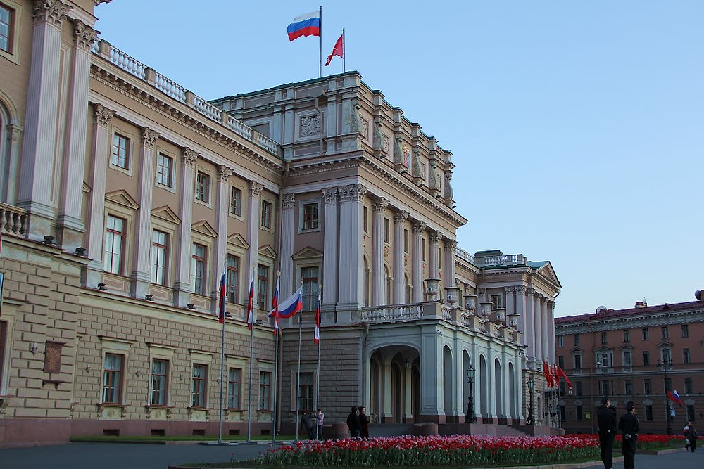 Теперь Мариинский дворец заполнится новым составом депутатов