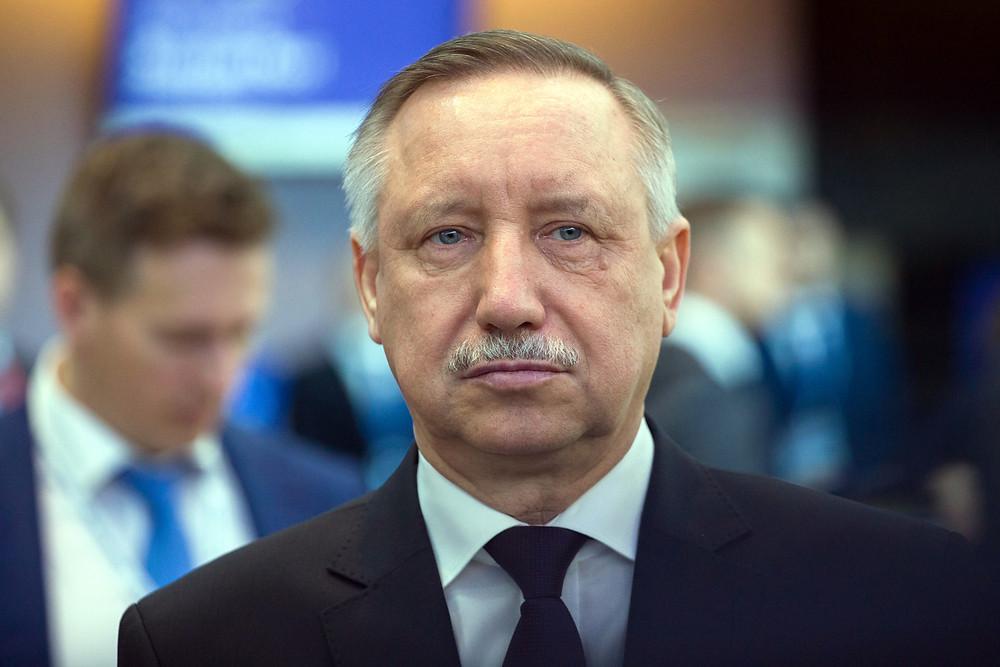 Губернатор Петербурга Александр Беглов дал послабления ресторанам, музеям, театрам и каткам в ТЦ