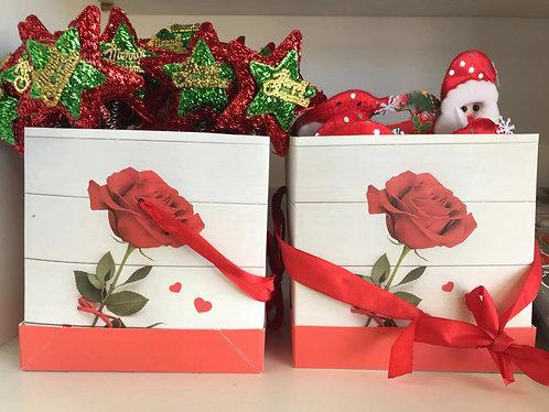 gift box rose  15*15*15cm asst