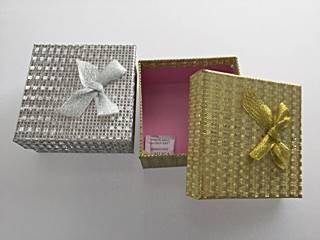 gift box gold silver behive w