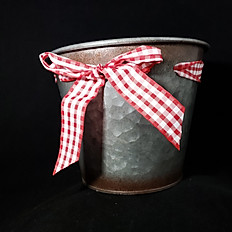 Red Bow Tin