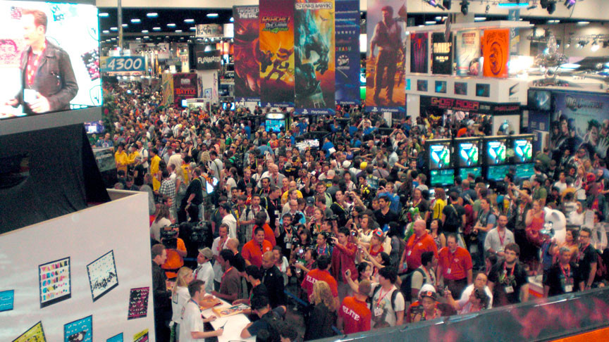 Just a shot of the hustle and bustle Hall H is known for.