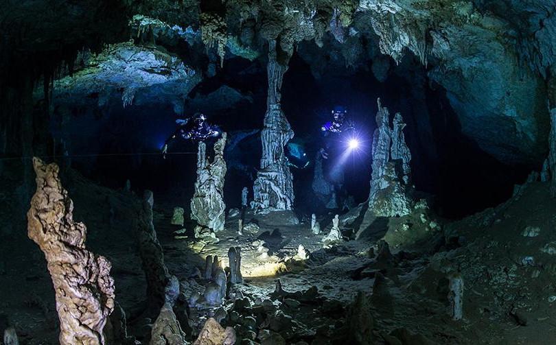 CroppedFocusedImage120050350-50-Cave-Sid