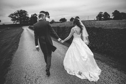 Sandhole-Oak-Barn-Wedding-Photographer