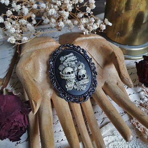 Black gothic pirate triple skull cameo brooch
