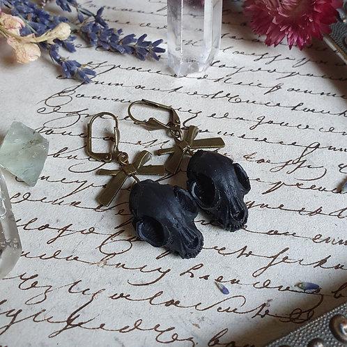 Boucles d'oreilles crâne de chat noir bronze sorcière