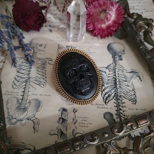 Black and gold mexican skull cameo gothic brooch