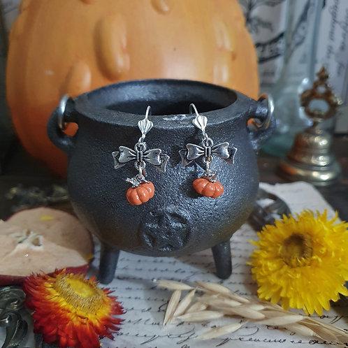 Petites boucles d'oreilles citrouilles halloween argentées