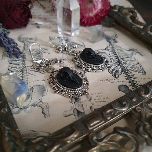 Boucles d'oreilles crânes oiseau noirs gothique argentées