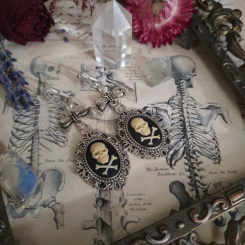 Boucles d'oreilles gothique pirate crânes