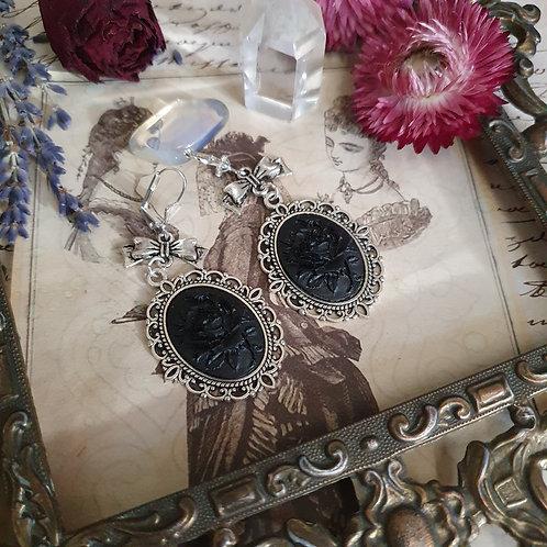 Boucles d'oreilles gothique victorienne roses noires deuil