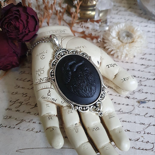 Gothic anatomical heart cameo pendant necklace silvertone