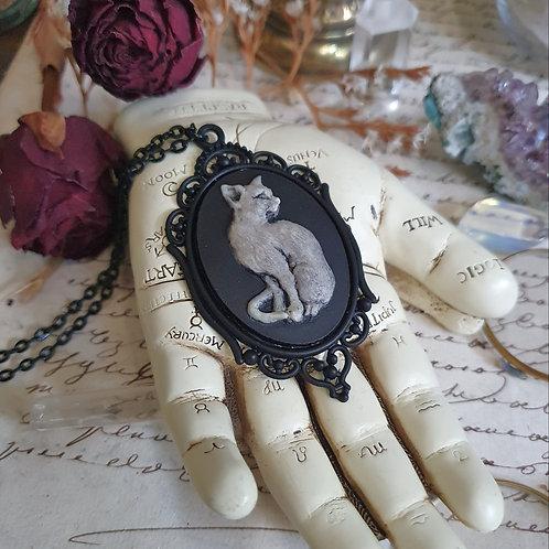 Collier pendentif chat noir de sorcière gothique