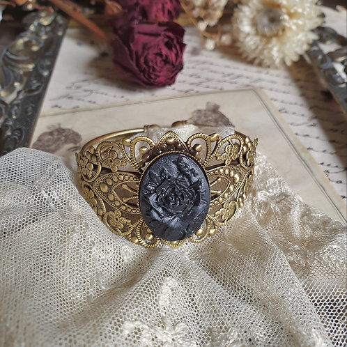 Black roses cameo gothic victorian bracelet mouring