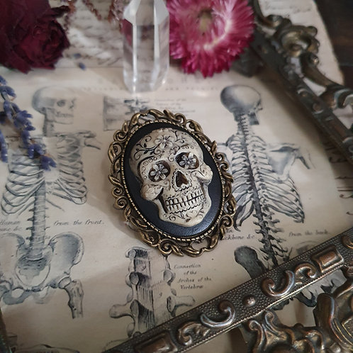 Mexican skull cameo calavera bronze gothic brooch