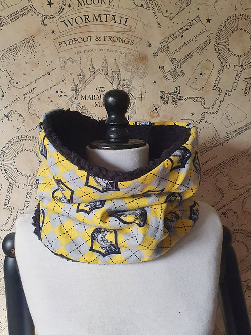 Harry potter winter furry snood scarf Hufflepuff house pride