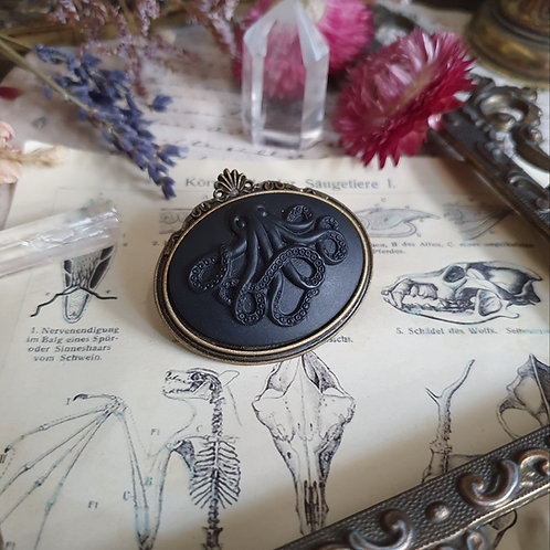 Steampunk octopus kraken bronze cameo brooch pirate