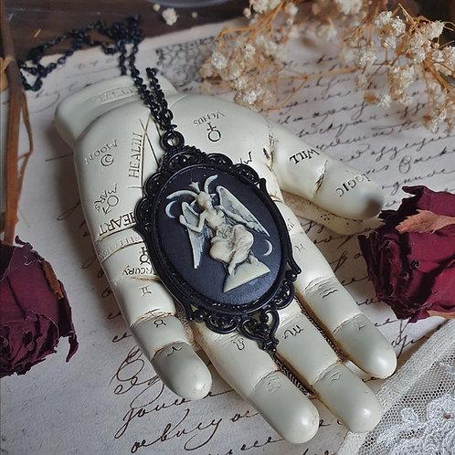 Collier pendentif noir camée Baphomet gothique occulte