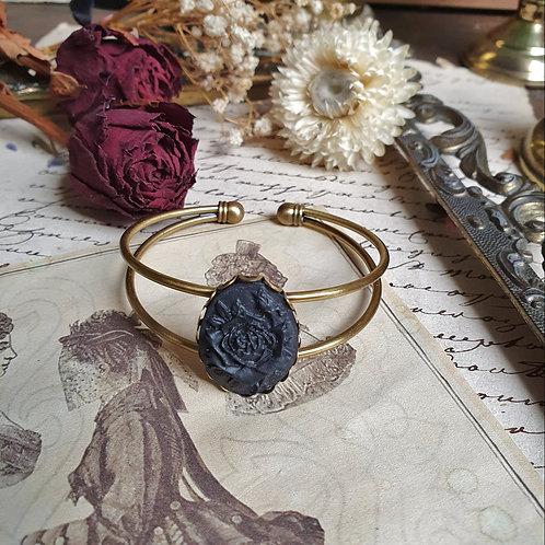 Bracelet gothique victorien camée rose deuil