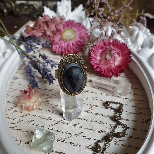 Small gothic ringblack raven skull cameo bronze