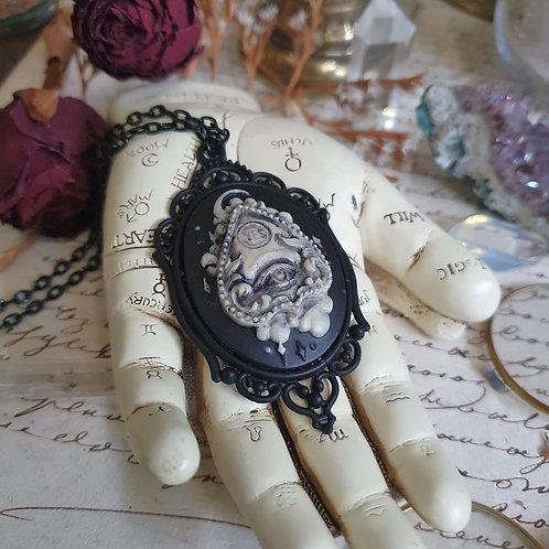collier gothique noir planchette ouija