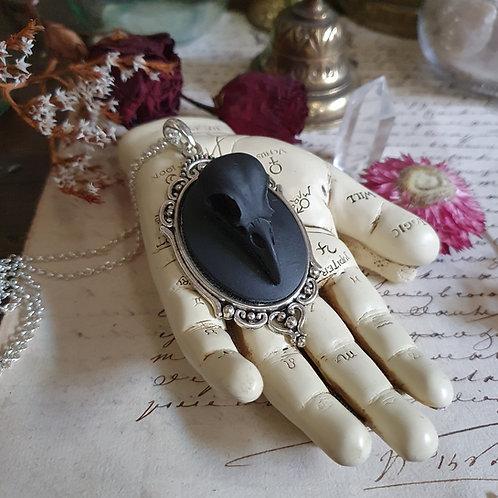 Collier chaine camée crane corbeau noir gothique victorien