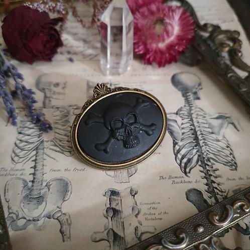 Dark pirate gothic cameo skull brooch