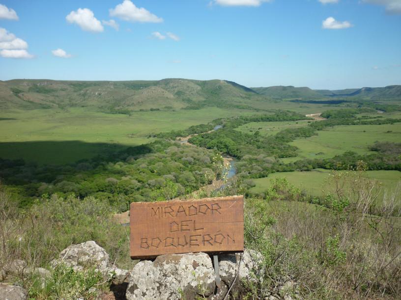 Análisis de la región turística del Valle Del Lunarejo - Rivera