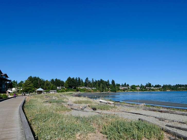 Cycling Parksville seaside walkway | cycle touring Parksville