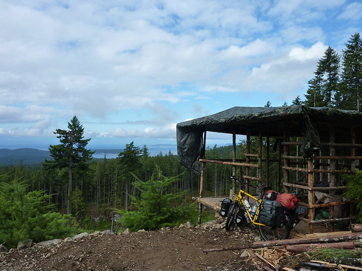 Hunting blind on West Carlson Main | above Homesite Creek Rec Camp | bikepacking Sunshine Coast