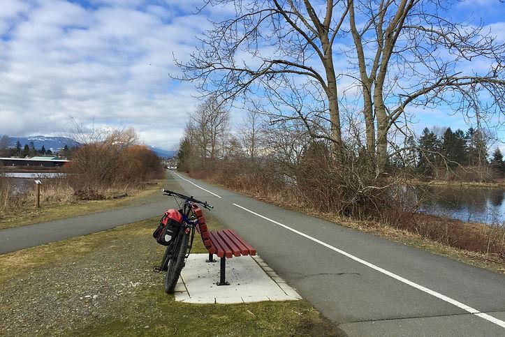 Cycling path Courtenay estuary | cycle touring Courtenay