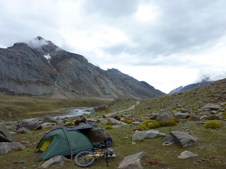 Camping and staying warm | cycle camping in Ladakh, Himalays