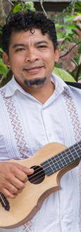 Noe Gonzalez, musician and luthier